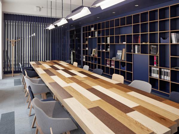 Cho dù là theo phong cách này thì nội thất phòng họp phải hài hòa với không gian chung
