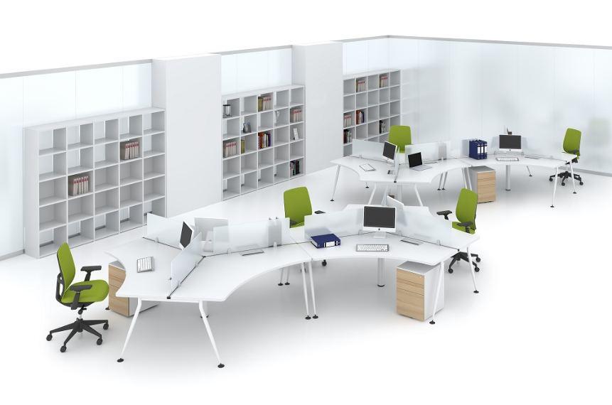 Cụm bàn làm việc khiến văn phòng thêm sang trọng hơn