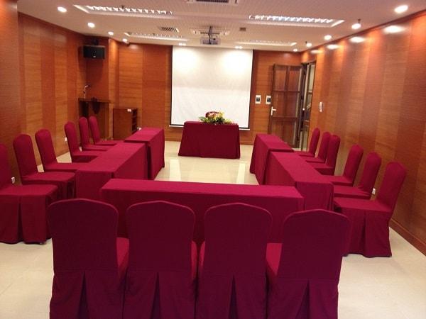 Phòng họp kiểu Hollow