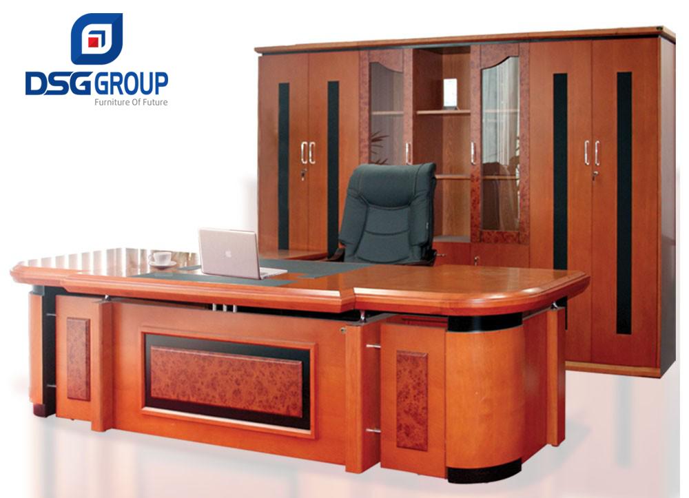 Lựa chọn bàn giám đốc Hòa Phát DT3212VM7 cho giám đốc mệnh Thổ